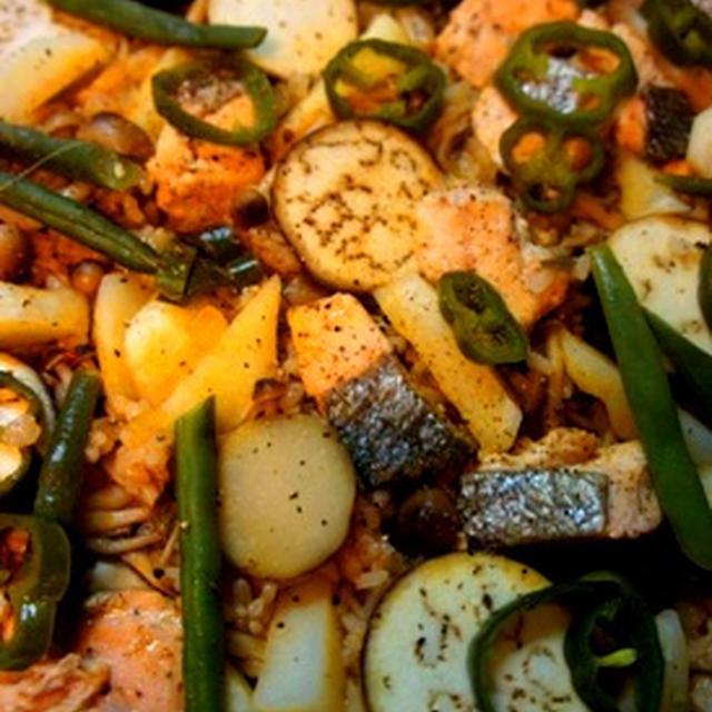出張赤貧亭、秋鮭と秋野菜のパエリア……そしてただ今仕込み中。。。