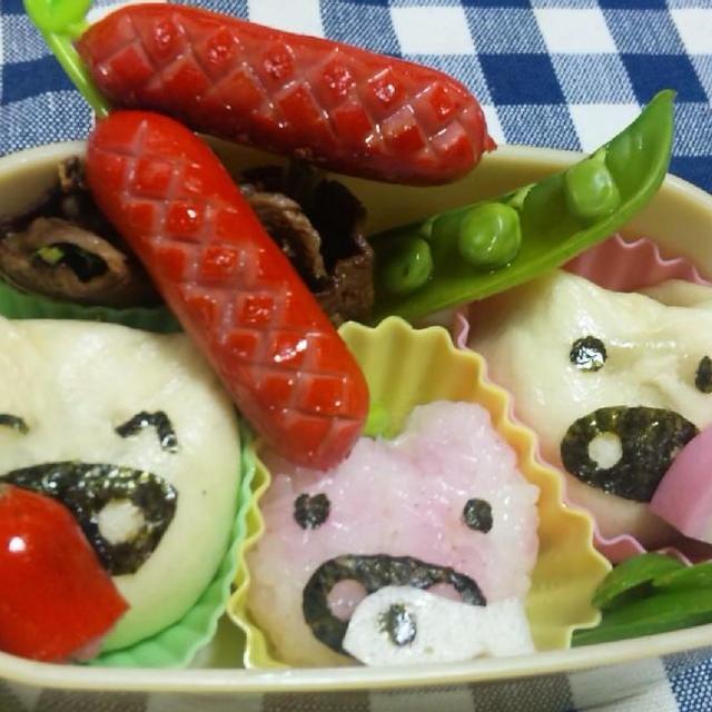 幼稚園児のお弁当「三匹のこぶたのお母さんの誕生日」より(キッチン ラボ)