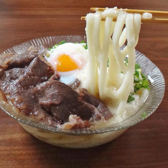 【土用の牛?レシピ】関西風 甘辛牛すきと温たまのとろろうどん