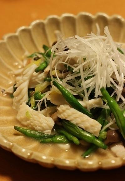 金針菜とイカの炒め物