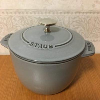 ごはんが美味しく炊けるストウブのココット