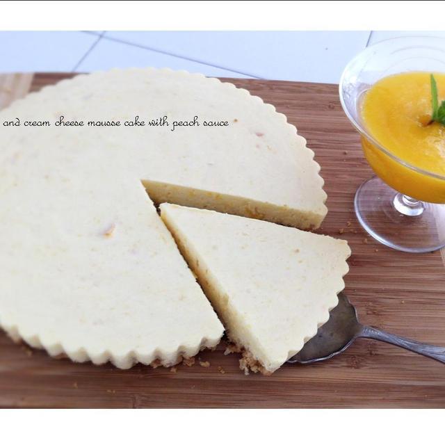桃とクリームチーズのムースケーキ