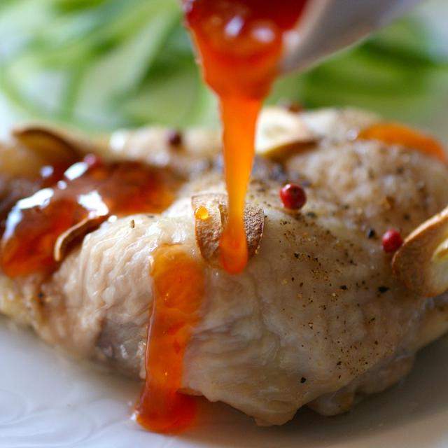 チキンのオーブン焼きとスイートチリソース
