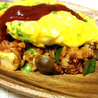 オニオンチーズ入りふわふわ卵のオムライス