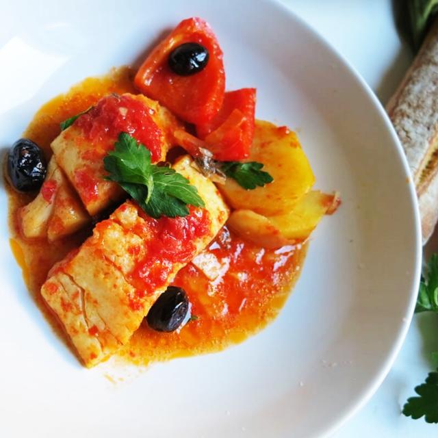 バカラ(塩鱈)のトマトソース煮