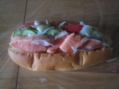 サーモンマリネのサンドイッチ