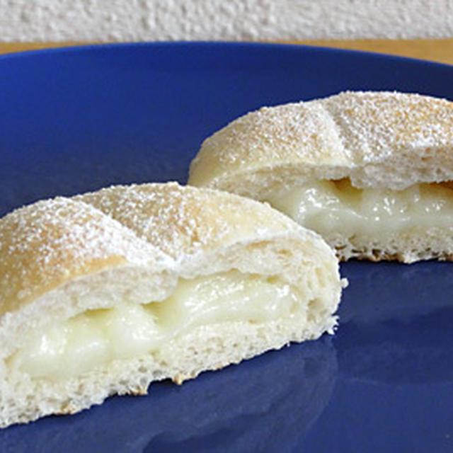 GOPANのホワイトチョコ餅ココナッツお米パン