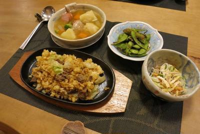 ガーリックステーキ炒飯&ポトフの晩ご飯 と ヤマボウシの実♪