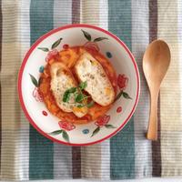 「ハウスにんにく族<アホスープの素>」を使ったトマトのアホスープ