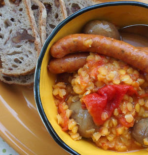 トマトとチョリソーとレンズ豆の煮込み。