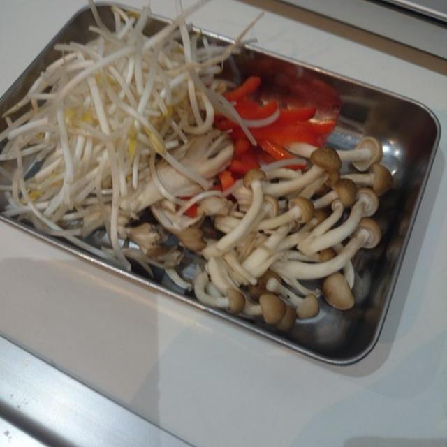 鮭の味噌マヨ包み蒸し。