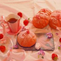 桜メロンパンの朝ごはん