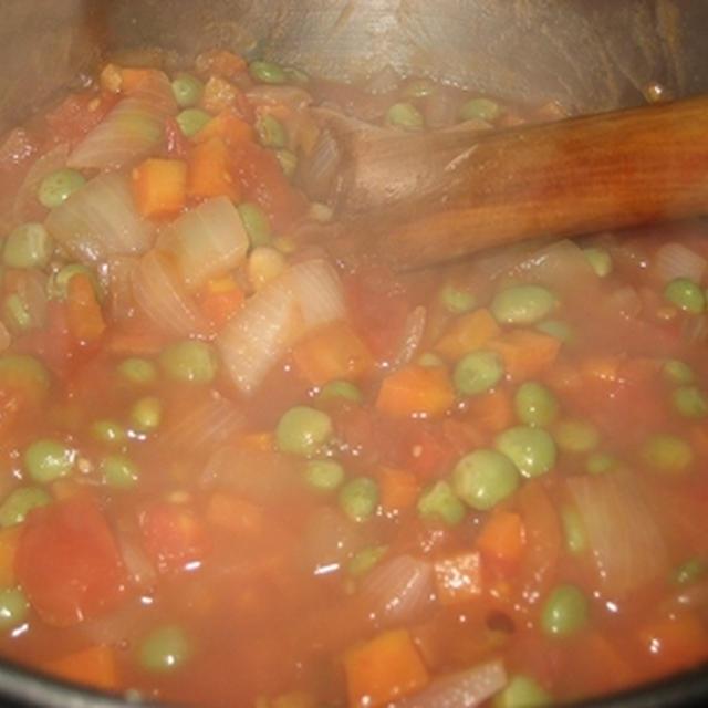 豆のトマト煮込みシチュー