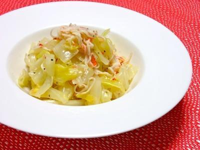 レンジで簡単野菜のおつまみ!普通〜が美味しいホッとするキャベツとカニかまのペパー和え。