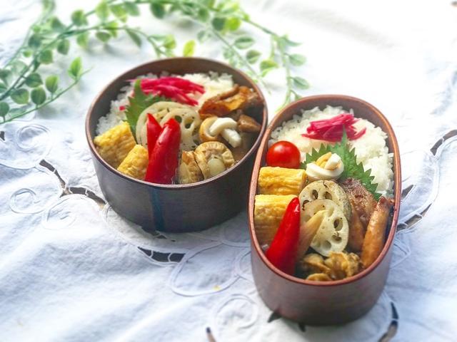 お弁当箱に入ったピクルス入り豚バラ肉とエリンギの生姜焼き