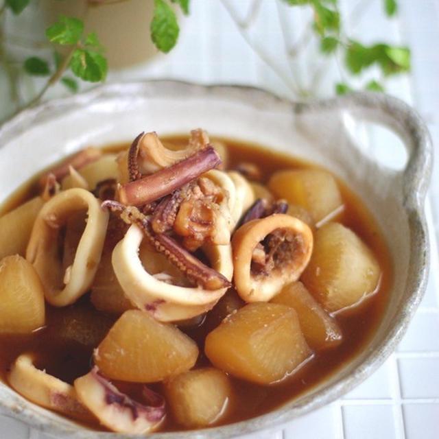 フライパンでカンタン煮物!イカ大根のショウガ煮*まだまだ続いていますよ。