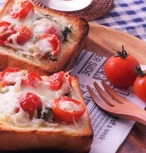 ドライミニトマトとしらすのチーズトースト