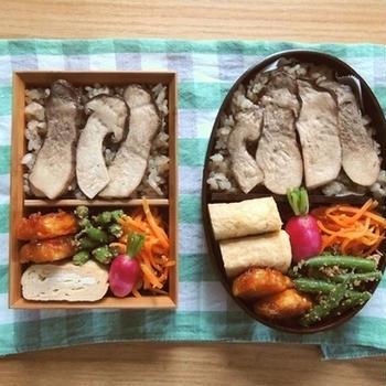 松きのこご飯弁当と焼き鳥定食