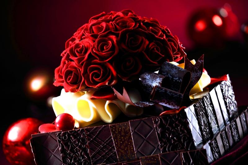 ■「グラン ルージュ」25,000円(税込)※数量限定<br><br>チョコレートを1枚1枚丁寧に重...