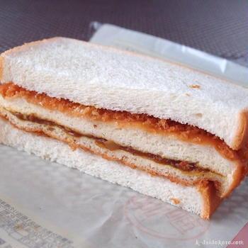 フジパン「カレーパンサンド」 ~ カレーパンを食パンで挟んじゃいました!?