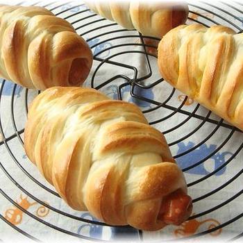 編み込みソーセージパン