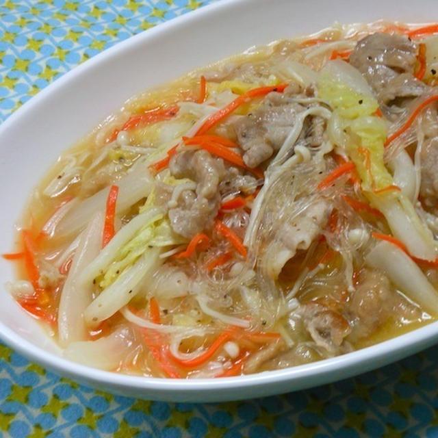 簡単、節約、お肉ちょっとでボリューミィ!あったか〜いおかず豚肉と白菜のスープ煮。