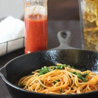 トマトパスタソースと4つのゼロで安心おいしいあれ。