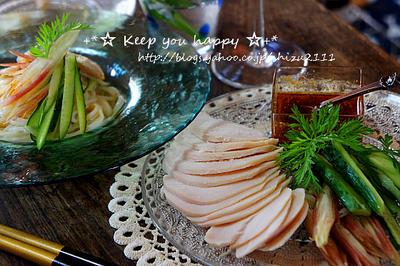 +*塩麹と昆布に漬けた鶏ハム 花椒ソース+*