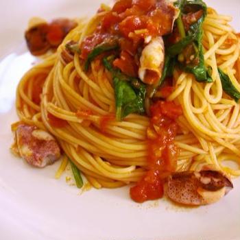 ヒイカとホウレン草のトマトソーススパゲティ
