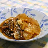 缶詰で簡単!ご飯に合う〜さんまの蒲焼きと大根のサッと煮。