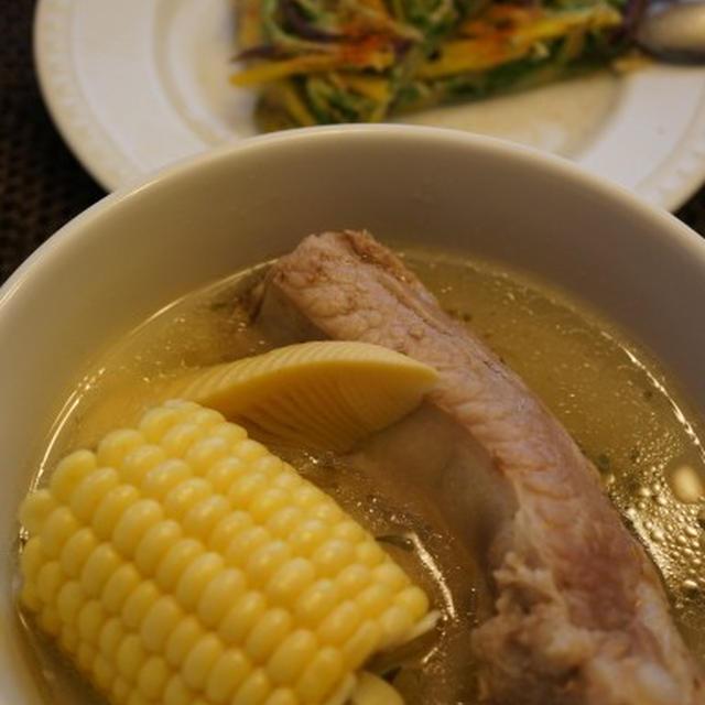 とうもろこしとたけのことリブのあっさりスープ