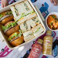 お出かけ日和!サンドイッチとスムージー!
