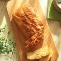 ヨーグルトで戻したドライマンゴーで♪ 混ぜて焼くだけのパウンドケーキ