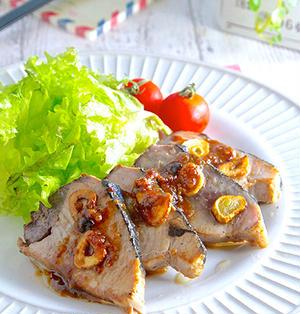 もっとお魚を食卓に!ニンニクの香りが食欲をそそる♡カツオのガーリックステーキ《簡単★節約》