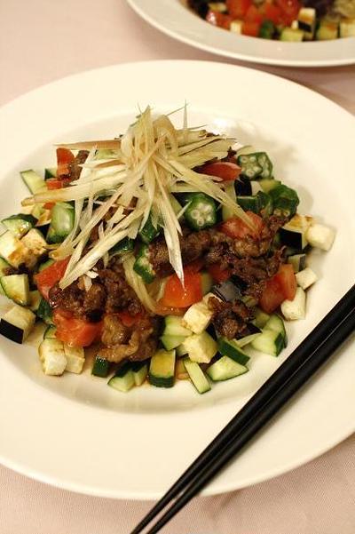 牛肉の味噌こんがり焼きのせ ボリューム冷やし中華