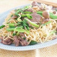 【タカラモニター】行者菜とエゾシカ肉のにんにく醤油焼きそば
