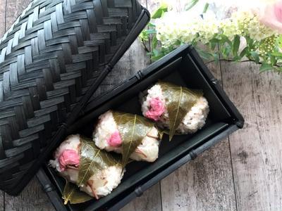 お花見に♪桜もち風お寿司