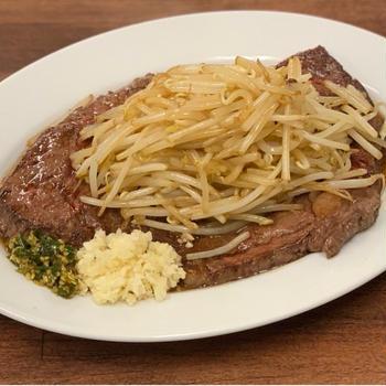 「コメトステーキ」が単なる二郎インスパイアで計れない理由