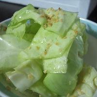 あらびきガーリックの簡単サラダ