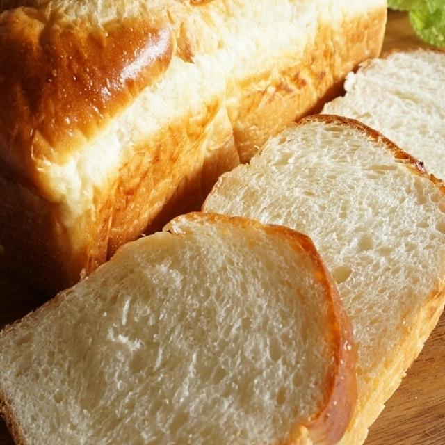 酒粕を練り込んだ、山食パン