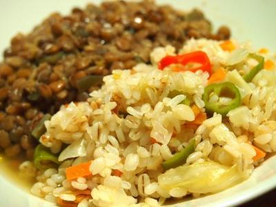 麦のパラパラピラフ レンズ豆のスープ添え