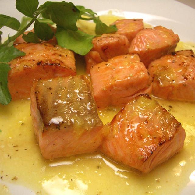 『サーモンのポワレ オレンジバターソース』 旬のサーモン絶品レシピ