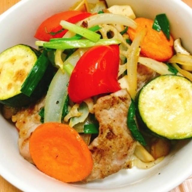 豚ももブロックとたっぷり野菜の塩コショウ炒め