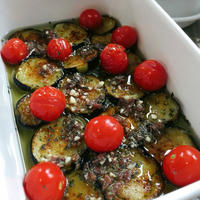 バジル香る茄子とミニトマトのアンチョビマリネでバケットモーニング