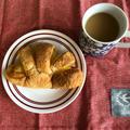 オギノパンの牧場のジャージークリームパンしずかな朝の朝食#オギノパン #牧場のジ...