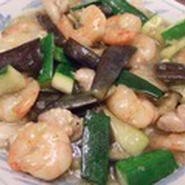 むきエビと夏野菜の炒め物