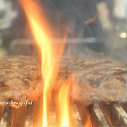 350グラムのステーキだってペロリと食べられちゃう『ビーフインパクト』が関東初出店!!