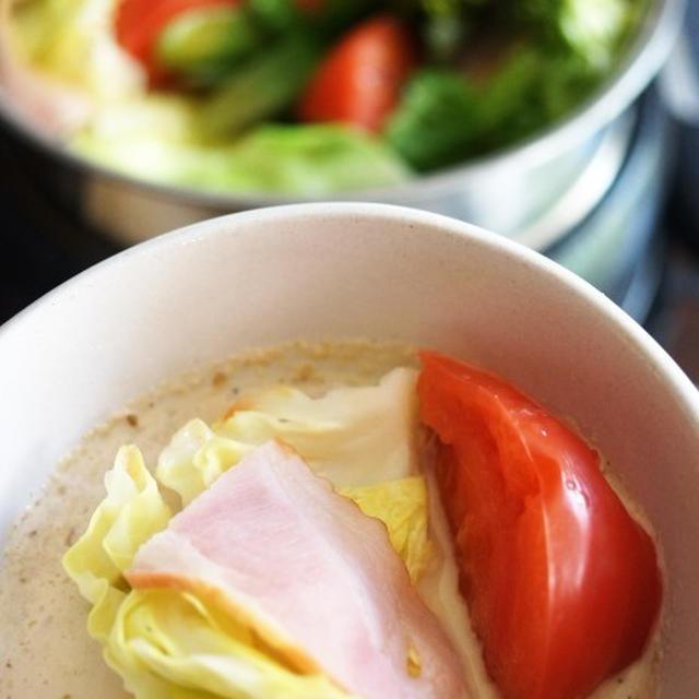 ■昼ご飯【キャベツとベーコンのミルフィーユ蒸し】タレは豆腐入り胡麻マヨポン酢で♪
