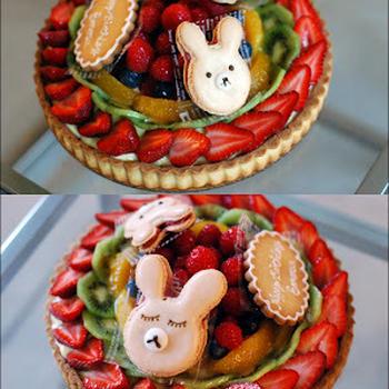 Birthday fruit tart for a little girl