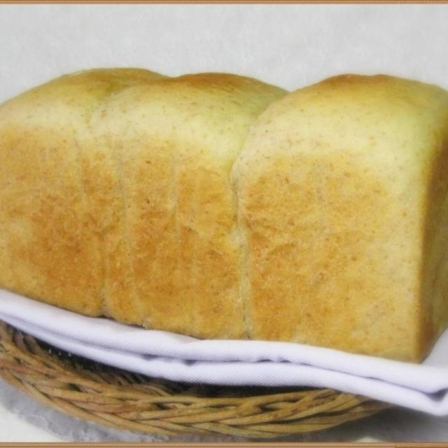 こねないでつくる♪バターミルク食パン